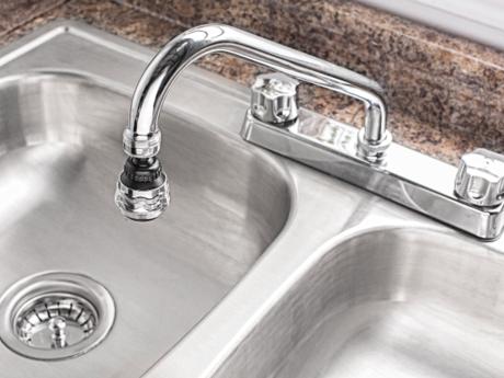 Instala tu fregadero en 6 pasos coflex m xico for Llaves de agua para tarjas